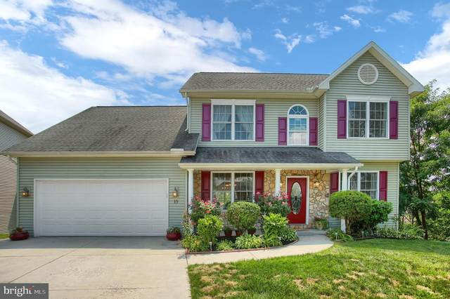 15 Manada Creek Circle, CARLISLE, PA 17013 (#PACB126792) :: The Joy Daniels Real Estate Group
