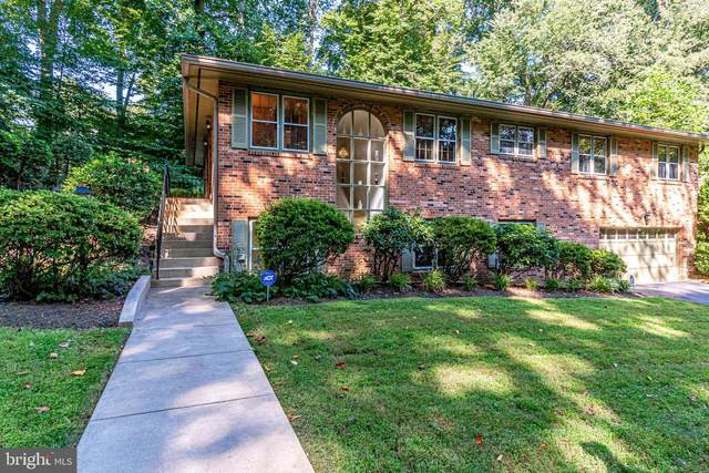 4106 Round Hill Road, ARLINGTON, VA 22207 (#VAAR167854) :: John Lesniewski | RE/MAX United Real Estate
