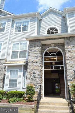 5963 Founders Hill Drive #102, ALEXANDRIA, VA 22310 (#VAFX1148626) :: Debbie Dogrul Associates - Long and Foster Real Estate