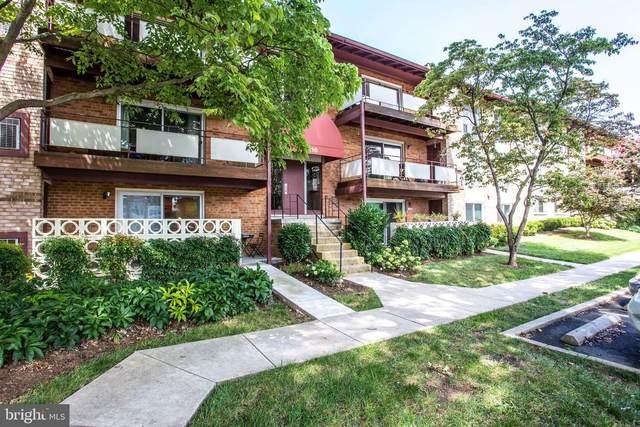 216 Locust Street SE #139, VIENNA, VA 22180 (#VAFX1149082) :: Debbie Dogrul Associates - Long and Foster Real Estate