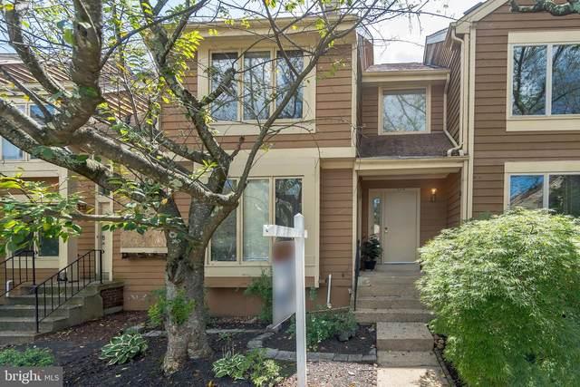 1064 Nicklaus Court, HERNDON, VA 20170 (#VAFX1149532) :: Debbie Dogrul Associates - Long and Foster Real Estate