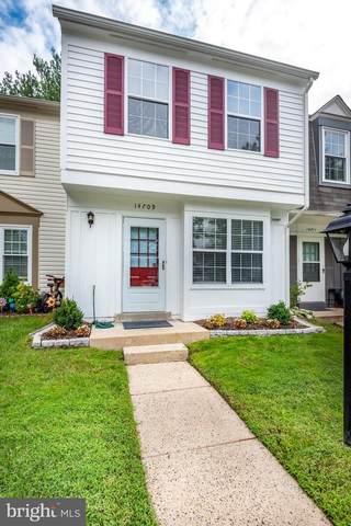 14709 Southwarke Place, CENTREVILLE, VA 20120 (#VAFX1149906) :: Debbie Dogrul Associates - Long and Foster Real Estate