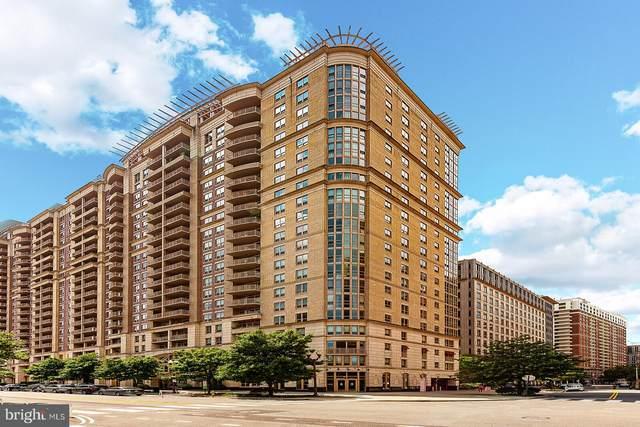 888 N Quincy Street #1202, ARLINGTON, VA 22203 (#VAAR168408) :: Debbie Dogrul Associates - Long and Foster Real Estate
