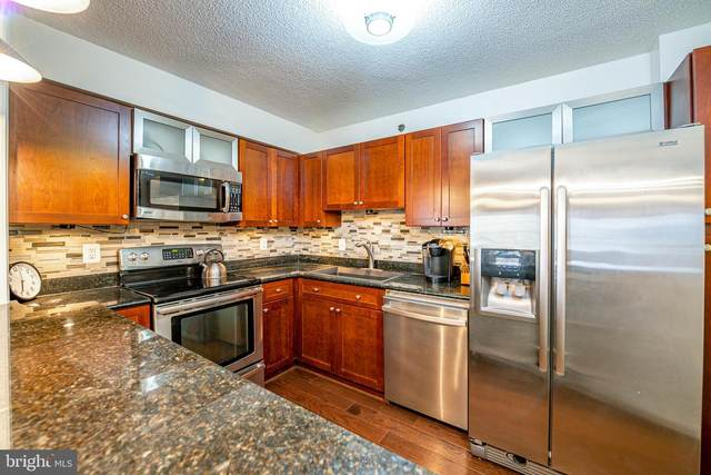 2151 Jamieson Avenue #905, ALEXANDRIA, VA 22314 (#VAAX250192) :: SP Home Team