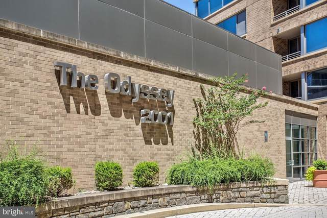 2001 15TH Street N #601, ARLINGTON, VA 22201 (#VAAR168528) :: The Putnam Group