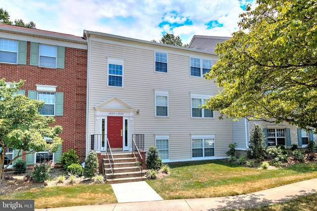 12129 Chaucer Lane, WOODBRIDGE, VA 22192 (#VAPW503320) :: Debbie Dogrul Associates - Long and Foster Real Estate