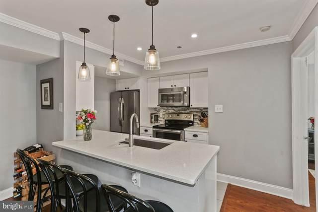 3313 Wyndham Circle #2220, ALEXANDRIA, VA 22302 (#VAAX250260) :: Crossman & Co. Real Estate