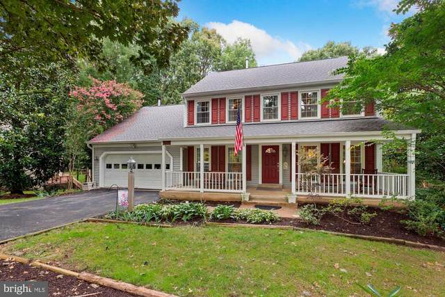 9930 S Park Circle, FAIRFAX STATION, VA 22039 (#VAFX1152158) :: Debbie Dogrul Associates - Long and Foster Real Estate