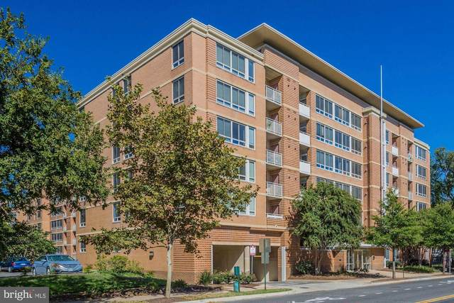 355 I Street SW S320, WASHINGTON, DC 20024 (#DCDC484616) :: Pearson Smith Realty