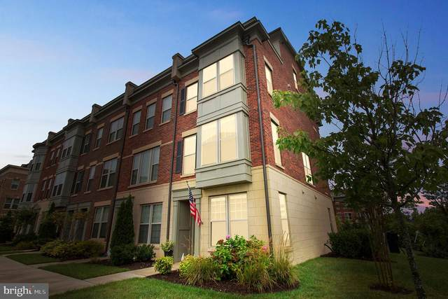 823 Admirals Way #309, OXON HILL, MD 20745 (#MDPG579864) :: AJ Team Realty
