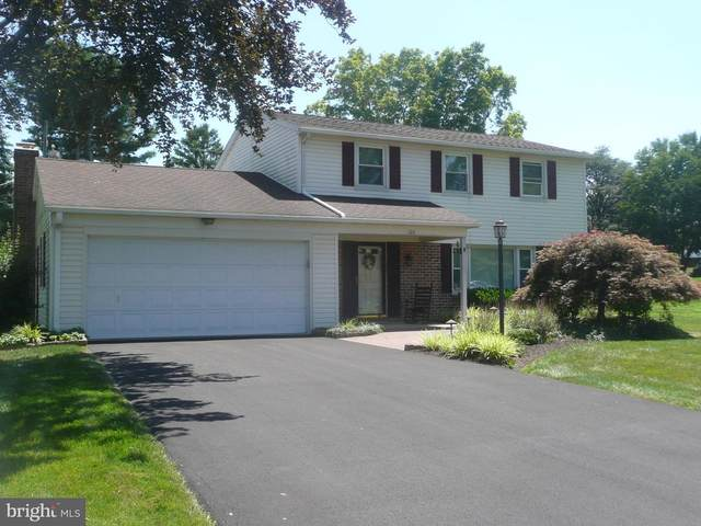 106 Crestview Avenue, NEW HOLLAND, PA 17557 (#PALA169536) :: TeamPete Realty Services, Inc