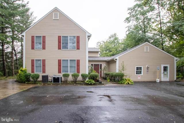 4522 Burke Station Road, FAIRFAX, VA 22032 (#VAFX1153620) :: Blackwell Real Estate