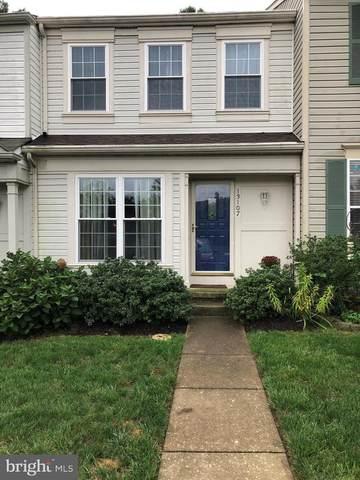 13107 Carolyn Forest Drive, WOODBRIDGE, VA 22192 (#VAPW504332) :: Debbie Dogrul Associates - Long and Foster Real Estate