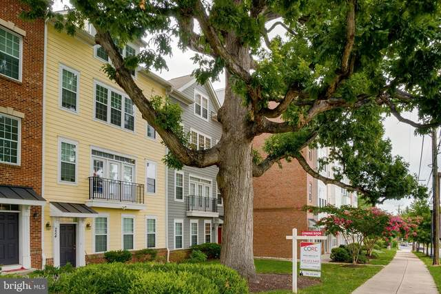224 N Summit Avenue #28, GAITHERSBURG, MD 20877 (#MDMC725140) :: Century 21 Dale Realty Co