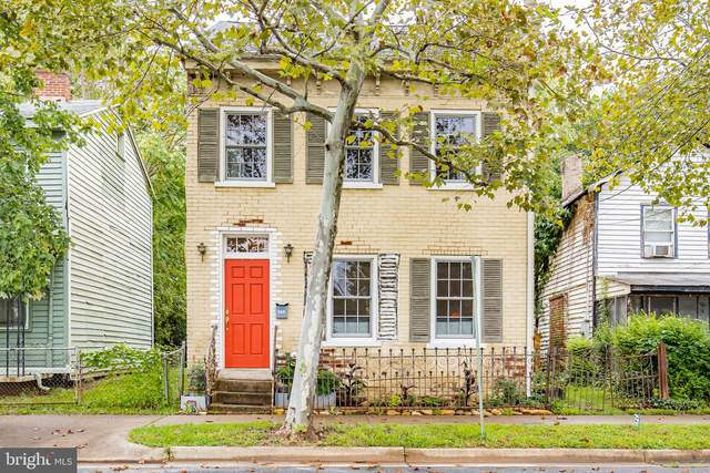 305 Prince Edward Street, FREDERICKSBURG, VA 22401 (#VAFB117762) :: Debbie Dogrul Associates - Long and Foster Real Estate