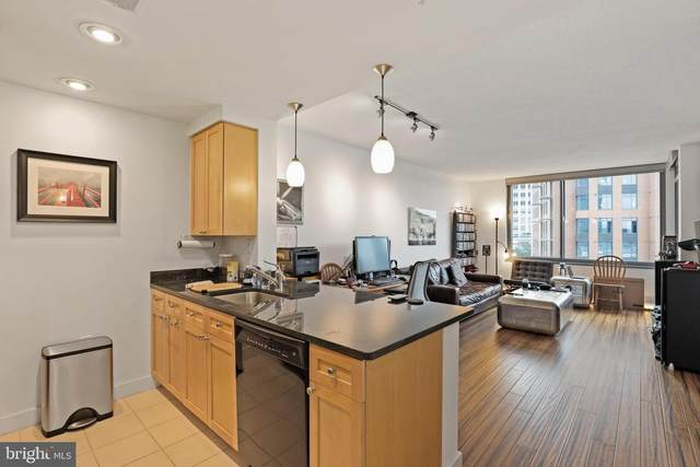 2001 15TH Street N #702, ARLINGTON, VA 22201 (#VAAR169440) :: The Putnam Group
