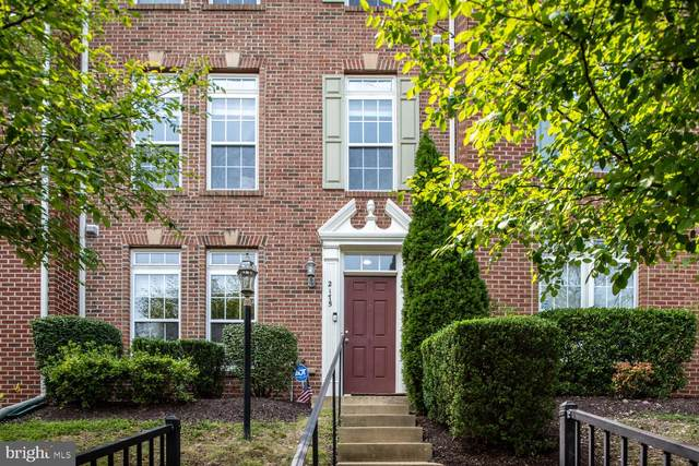 2175 Potomac Club Parkway #11, WOODBRIDGE, VA 22191 (#VAPW504620) :: Ultimate Selling Team