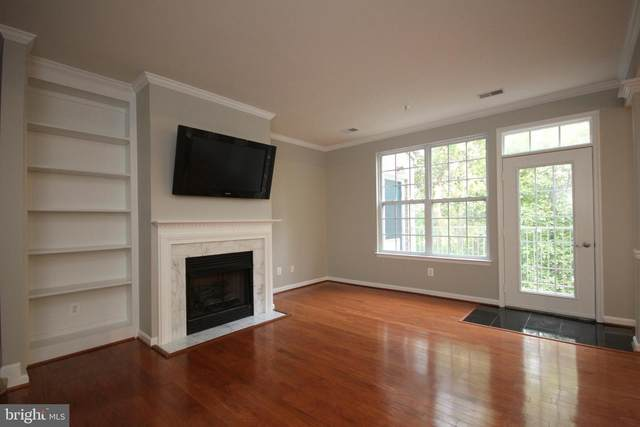 2663 Manhattan Place #308, VIENNA, VA 22180 (#VAFX1154794) :: Jennifer Mack Properties