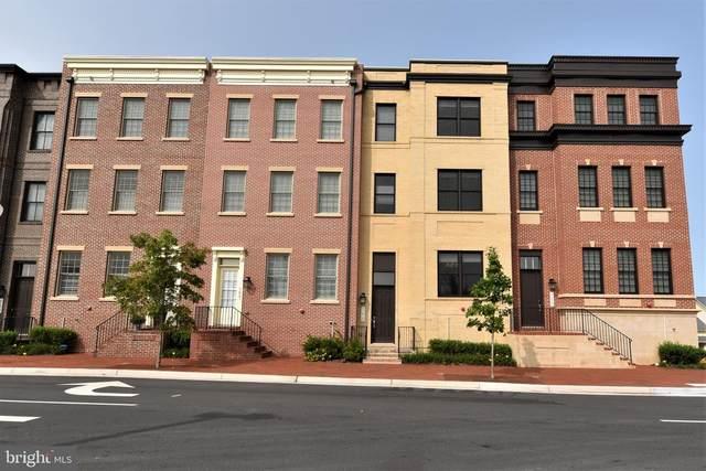 711 Monroe Street, HERNDON, VA 20170 (#VAFX1155316) :: Debbie Dogrul Associates - Long and Foster Real Estate