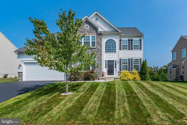 6 Bethpage Drive, MECHANICSBURG, PA 17050 (#PACB127922) :: The Heather Neidlinger Team With Berkshire Hathaway HomeServices Homesale Realty
