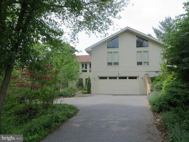 1127 Wintercamp Trail, HEDGESVILLE, WV 25427 (#WVBE180372) :: Jennifer Mack Properties
