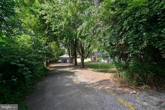 2757 Cody Road, VIENNA, VA 22181 (#VAFX1155634) :: Debbie Dogrul Associates - Long and Foster Real Estate