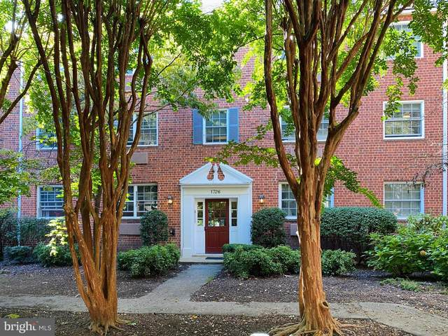 1726 W Abingdon Drive #101, ALEXANDRIA, VA 22314 (#VAAX251146) :: The Putnam Group