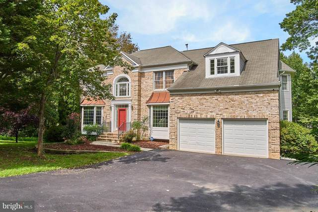 9354 Braymore Circle, FAIRFAX STATION, VA 22039 (#VAFX1156220) :: Debbie Dogrul Associates - Long and Foster Real Estate
