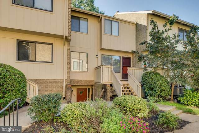 2566 Glengyle Drive #163, VIENNA, VA 22181 (#VAFX1156250) :: Debbie Dogrul Associates - Long and Foster Real Estate