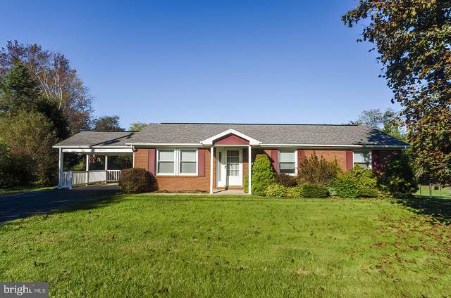 155 Ben Speck Road, HEDGESVILLE, WV 25427 (#WVBE180590) :: Bruce & Tanya and Associates