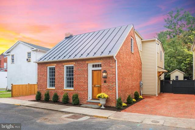 16 Liberty Street SW, LEESBURG, VA 20175 (#VALO422048) :: The Licata Group/Keller Williams Realty