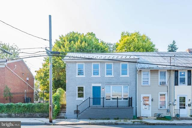 218 N Pitt Street, CARLISLE, PA 17013 (#PACB128200) :: The Heather Neidlinger Team With Berkshire Hathaway HomeServices Homesale Realty