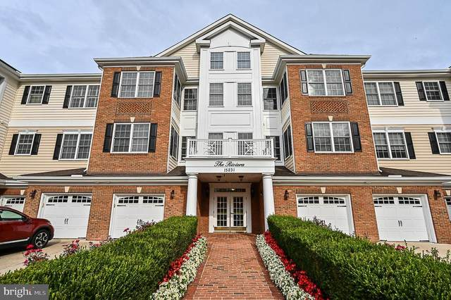 15231 Royal Crest Drive #204, HAYMARKET, VA 20169 (#VAPW505518) :: The Riffle Group of Keller Williams Select Realtors