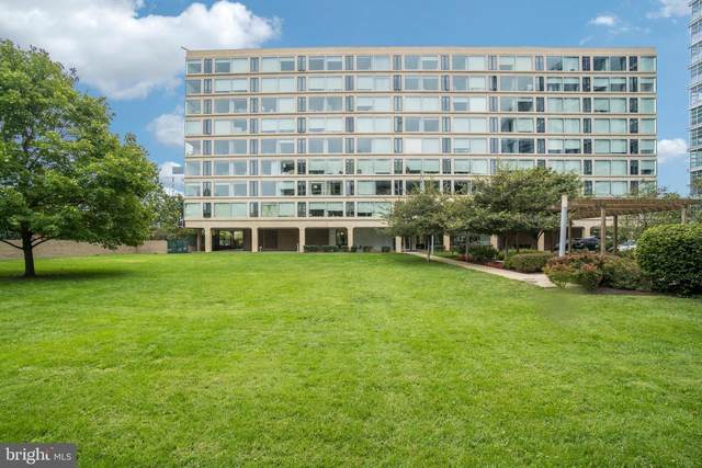 1101 3RD Street SW #410, WASHINGTON, DC 20024 (#DCDC488596) :: Better Homes Realty Signature Properties