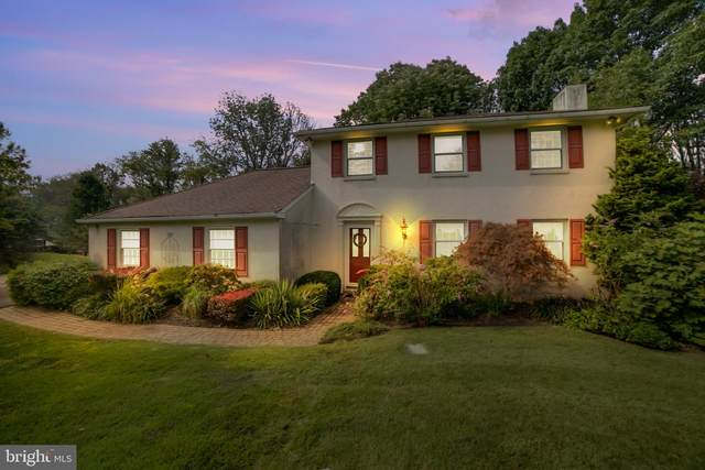 845 Lederach Cross Road, SCHWENKSVILLE, PA 19473 (#PAMC664956) :: The John Kriza Team