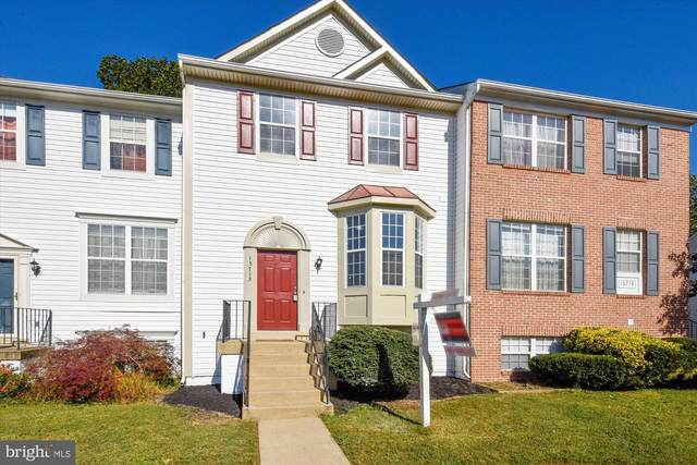 15713 Lansdale Place, DUMFRIES, VA 22025 (#VAPW505582) :: The Redux Group