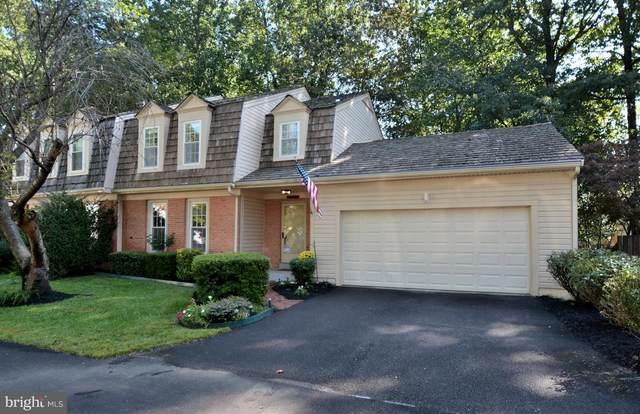 9978 Hemlock Woods Lane, BURKE, VA 22015 (#VAFX1157564) :: Coleman & Associates