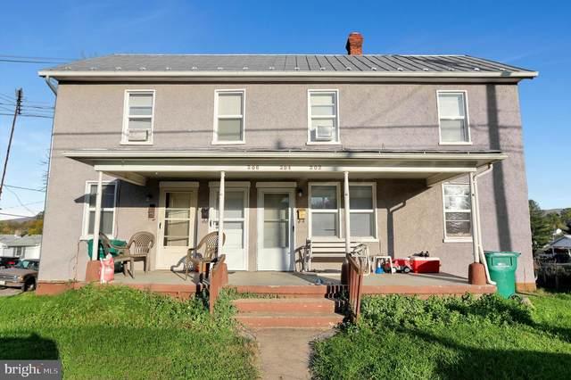 204 N Hawksbill Street, LURAY, VA 22835 (#VAPA105648) :: LoCoMusings