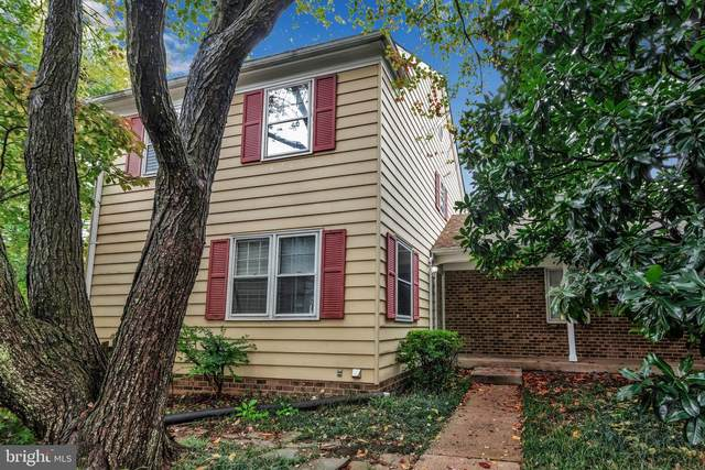 702 Hemlock Court, HERNDON, VA 20170 (#VAFX1159360) :: The Sky Group