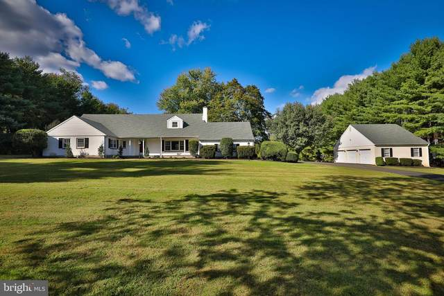 2810 Edge Hill Road, HUNTINGDON VALLEY, PA 19006 (#PAMC666622) :: Blackwell Real Estate