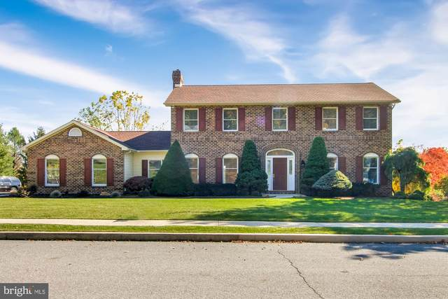 2413 W Bayberry Drive, HARRISBURG, PA 17112 (#PADA126594) :: TeamPete Realty Services, Inc