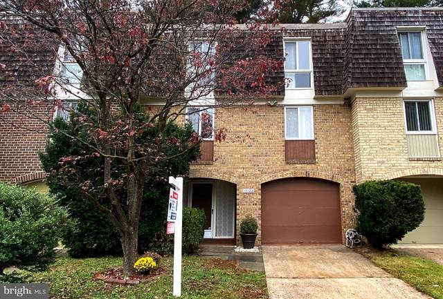19122 N Kindly Court, MONTGOMERY VILLAGE, MD 20886 (#MDMC729610) :: The Daniel Register Group