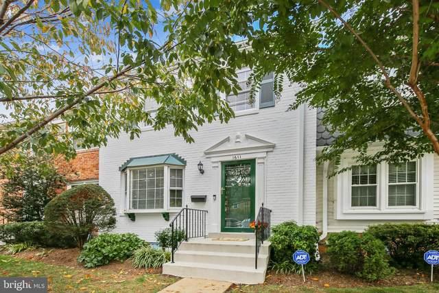 1611 Dunterry Place, MCLEAN, VA 22101 (#VAFX1160878) :: City Smart Living