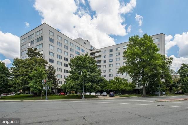 2475 Virginia Avenue NW #404, WASHINGTON, DC 20037 (#DCDC492110) :: Crossman & Co. Real Estate