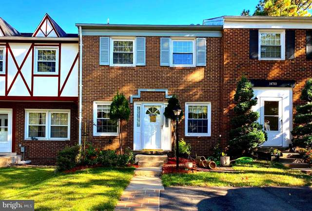 14712 Bentley Square, CENTREVILLE, VA 20120 (#VAFX1162198) :: The Sky Group