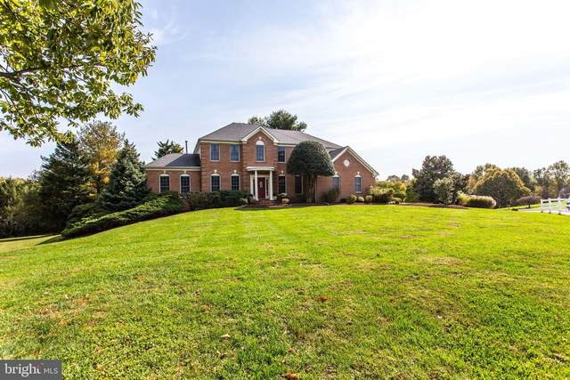 10806 Piney Pond Drive, GREAT FALLS, VA 22066 (#VAFX1162554) :: Great Falls Great Homes