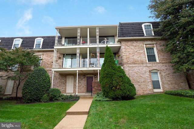 3113 Patrick Henry Drive #523, FALLS CHURCH, VA 22044 (#VAFX1162572) :: Bruce & Tanya and Associates
