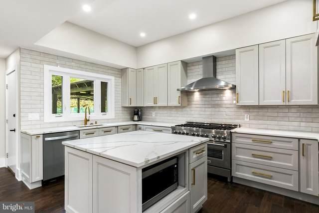 3 Old Gate Lane, MOORESTOWN, NJ 08057 (#NJBL384568) :: Linda Dale Real Estate Experts