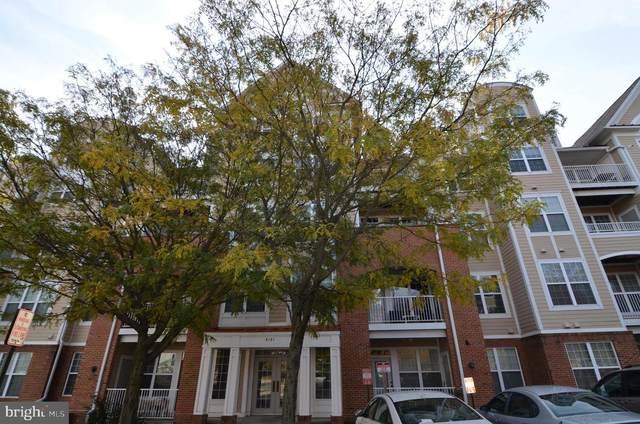 8181 Carnegie Hall Court #403, VIENNA, VA 22180 (#VAFX1162838) :: Arlington Realty, Inc.
