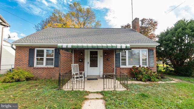 105 E High Street, NEW OXFORD, PA 17350 (#PAAD113738) :: The Joy Daniels Real Estate Group